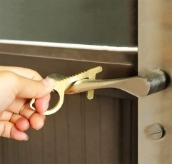 MHYS no touch tool being used to open a door