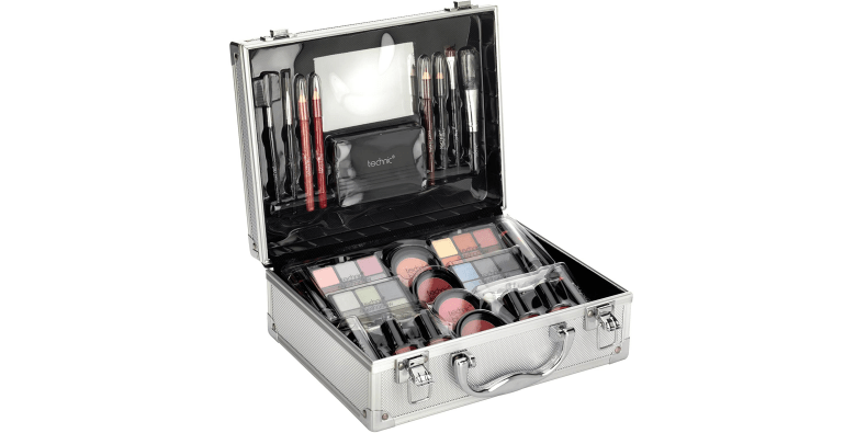 Technic Large Beauty Case on a white background