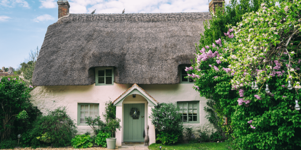 cottage in the English countryside